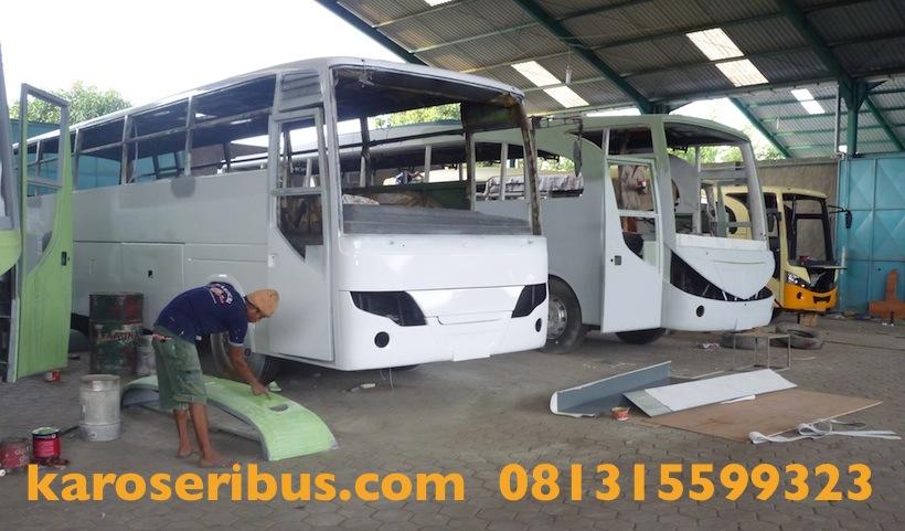 Pabrik karoseri bus